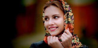 kashmir woman