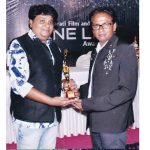 hateesh-tattamiya-rajkots-best-cameraman-award-for-gujarati-film-by-cine-life