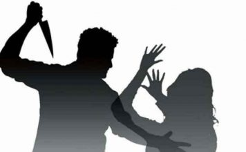 instead-of-serving-the-father-in-jasdan-the-brother-threw-a-knife-to-his-sister